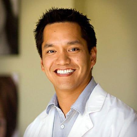 Conseil scientifique :DR. IRINEO MARVIN PANTANGCO, III, DDS